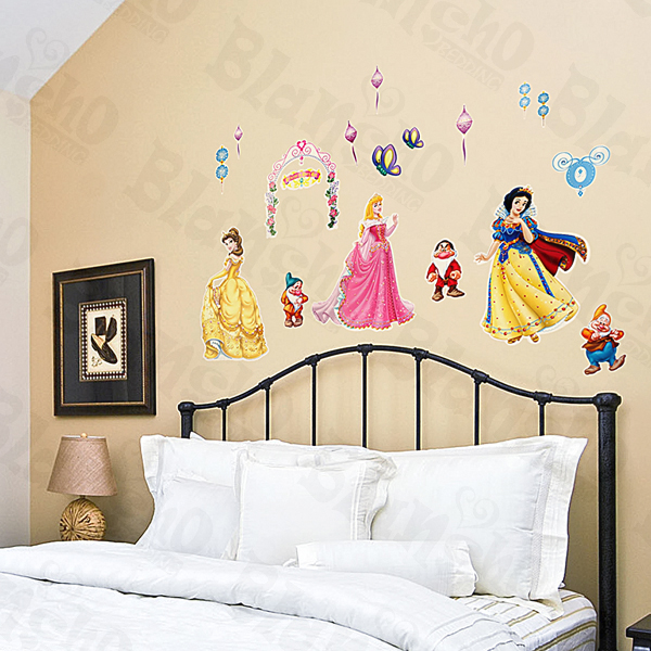 Disney princess wall decals totally kids totally for Disney princess wall mural stickers